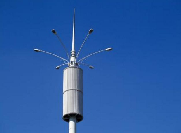 奥地利公园安装新式灯具,破坏行为居然没有了制砖机